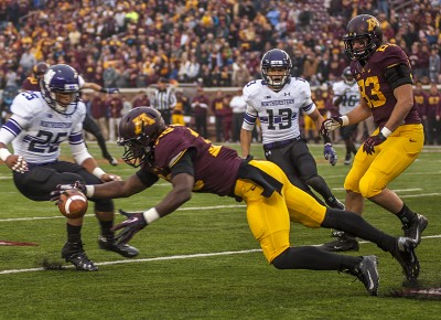 Football: Northwestern clings to contender status despite flaws