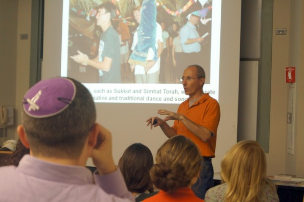 Hillel speaker discusses sustainability in Israel community