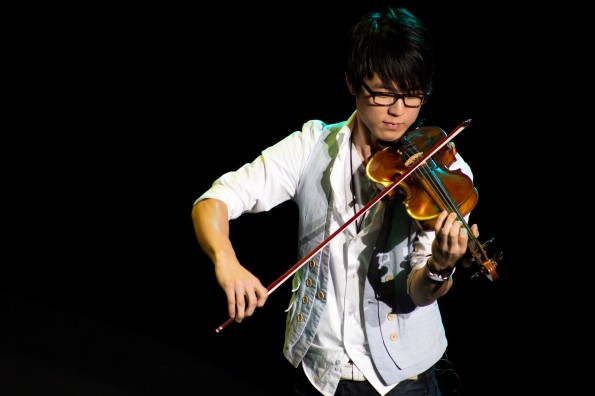 Instrumental Success: Northwestern sophomore Jun Sung Ahn finds his forte on YouTube