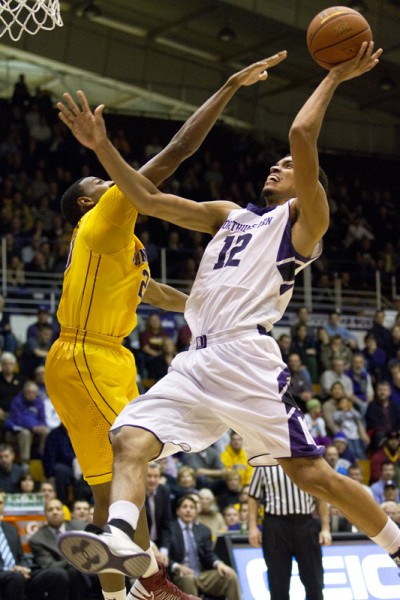 Men's Basketball: Wildcats stun No. 12 Golden Gophers at home