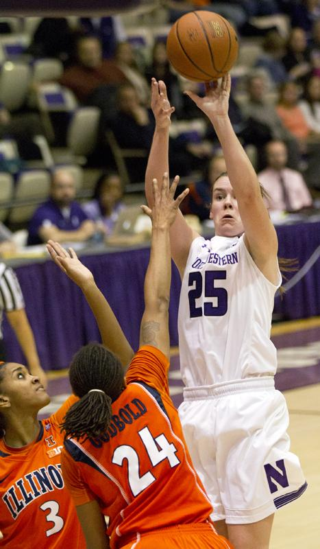 Women's Basketball: Northwestern downs Illinois in Champaign