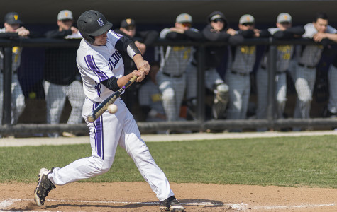 Baseball: Northwestern blows out Valparaiso