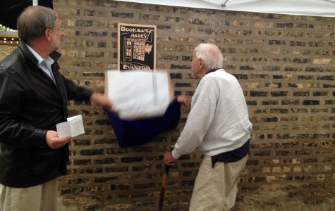 Ceremony commemorates Bookman's Alley and owner