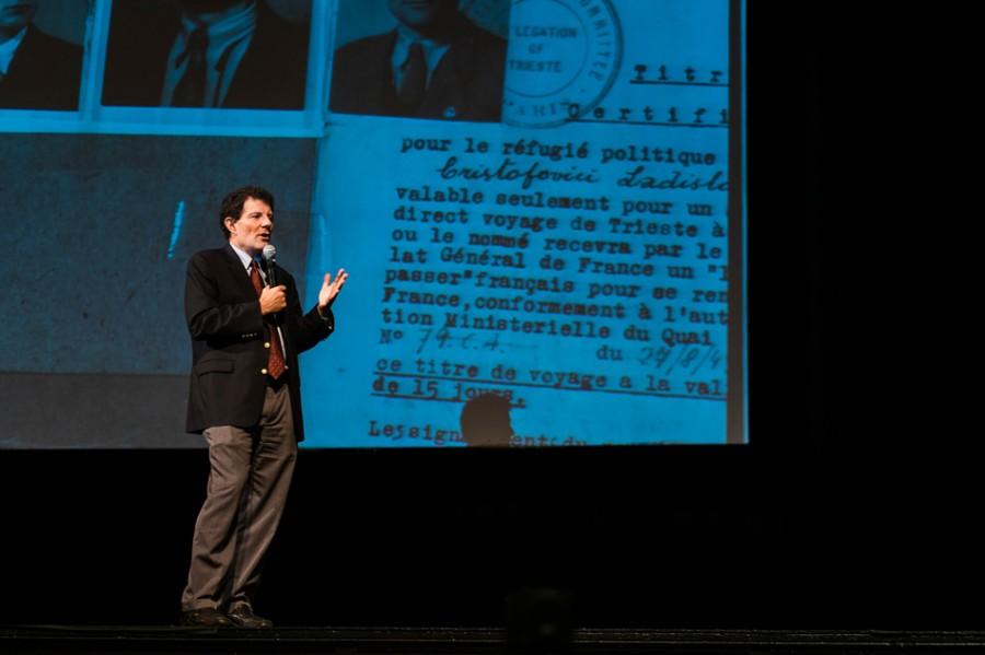 Journalist Nicholas Kristof shares personal stories of global change