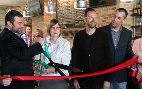 New bar, restaurant celebrates grand opening in Evanston