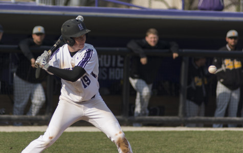 Baseball: Wildcats snatch unlikely victory to avoid being swept against Hawkeyes