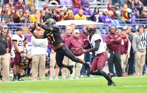 Football: Defense shines in shutout over Minnesota