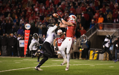 Football: Northwestern beats Wisconsin thanks to defense, overturned touchdowns