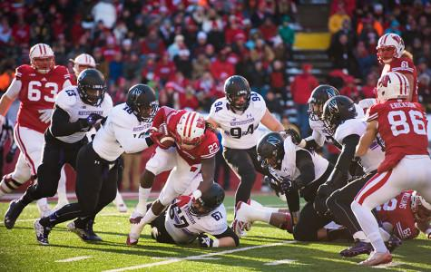 Football: Defensive line proves vital in Saturday's win against Wisconsin
