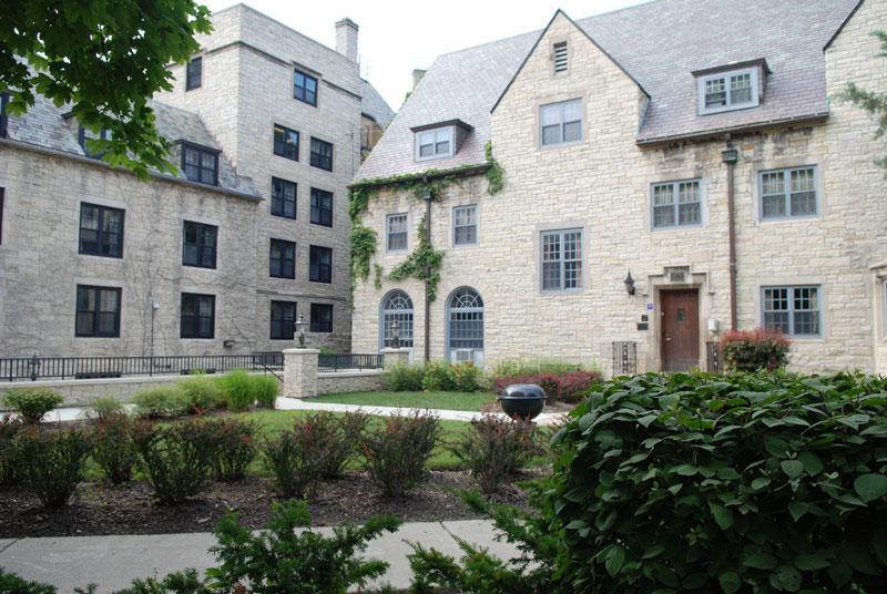 Part+of+the+sorority+quad+on+South+Campus.+%28Julianna+Nunez%2FThe+Daily+Northwestern%29