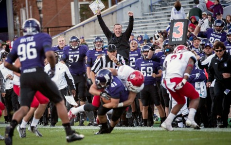 Football: Wildcats rely on Mark, running game for blowout win over South Dakota