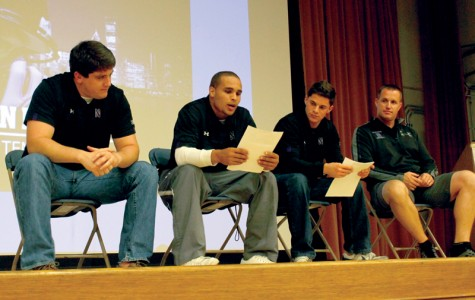 Fitzgerald, Northwestern football stars interact with students at Wildside 101
