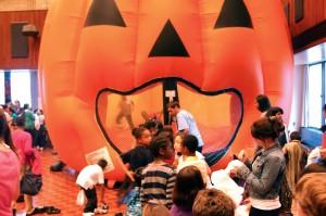 Children from Evanston, Chicago enjoy halloween activities at Norris