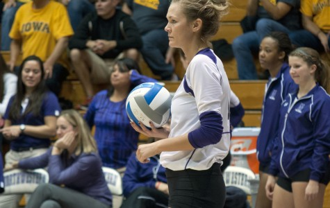 Volleyball: Northwestern takes down Iowa in straight sets