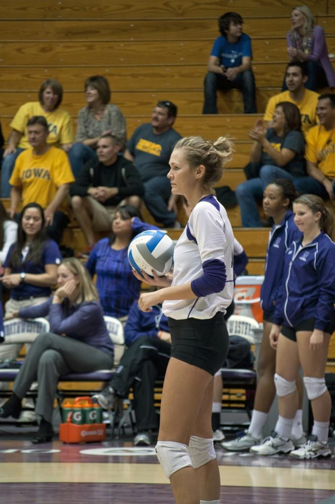Northwestern+setter+Madalyn+Shalter+was+a+key+part+of+the+Wildcats%27+straight-sets+win+against+Iowa+on+Sunday.+Shalter+recorded+five+blocks+in+the+match.+