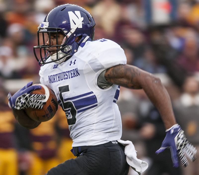 Northwestern+running+back+Venric+Mark+runs+in+the+open+field+against+Minnesota.+Mark%E2%80%99s+usage+is+at+a+career+high+so+far+this+season.+