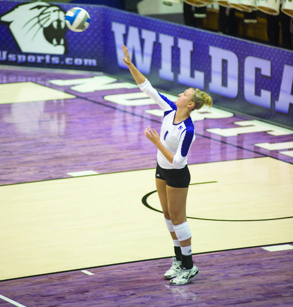 Northwestern+outside+hitter+Stephanie+Holthus+and+her+teammates+look+to+have+yet+another+strong+road+showing+against+Ohio+State.+Coach+Keylor+Chan+admitted+the+next+few+matches+are+crucial+if+NU+hopes+to+make+the+postseason.+