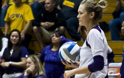 Volleyball: Wildcats split weekend to Michigan teams