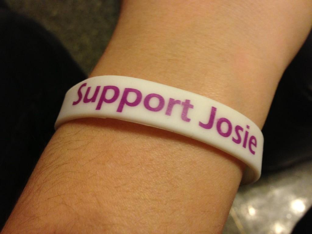 Student+groups+are+teaming+up+this+week+to+sell+%22Support+Josie%22+wristbands+to+raise+money+for+the+lung+transplant+of+Josie+Nordman%2C+a+Communication+sophomore+who+suffers+from+cystic+fibrosis.