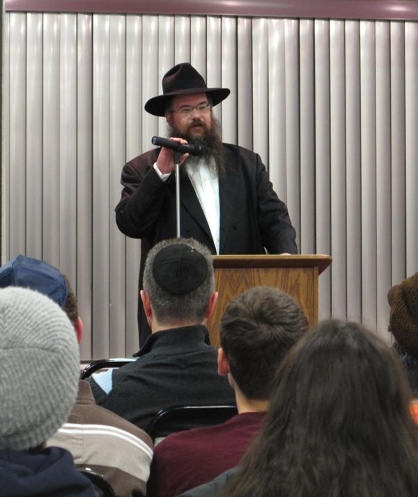 Rabbi+Shais+Taub+offers+a+spiritual+perspective+on+mental+health+issues+Thursday+at+Northwestern+Tannenbaum+Chabad.