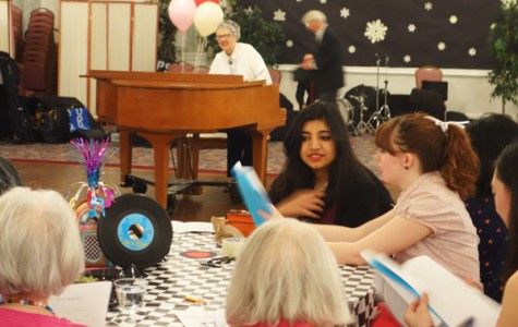 Students, seniors embrace the 'Fabulous '50s' at Senior Gala