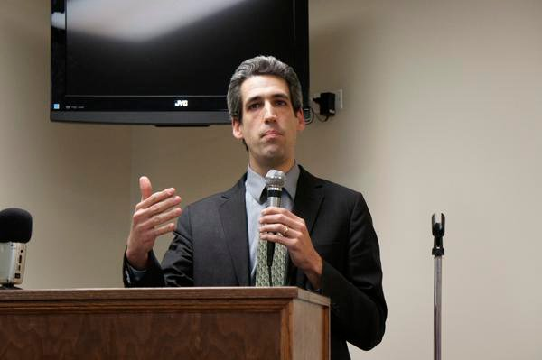 State Sen. Daniel Biss (D-Evanston) explained his bill to address Illinois' pension problem during a town hall meeting in Wilmette in early February.