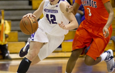 Women's Basketball: Roser's last-second layup puts Northwestern past Iowa