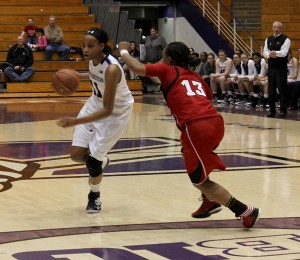Women's Basketball: Cornhuskers hang on late to tip Wildcats