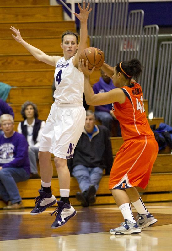 Women's Basketball: Northwestern falls in first round of Big Ten Tournament against Iowa