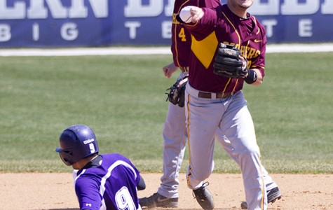 Baseball: Late-inning runs doom Wildcats to sweep at hands of Golden Gophers