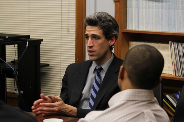 State Sen. Daniel Biss (D-Evanston) is the chief sponsor of a bill that would abolish local election boards that decide whether prospective candidates who face petition challenges stay on the election ballot.