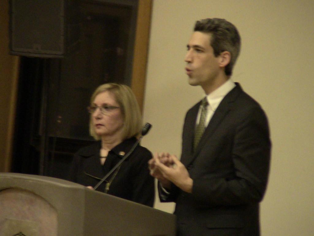 Sen.+Daniel+Biss+%28D-Evanston%29+and+Rep.+Robyn+Gabel+%28D-Evanston%29+talk+to+residents+about+legislative+issues+in+a+town+hall+meeting+before+the+state+general+assembly+convenes.