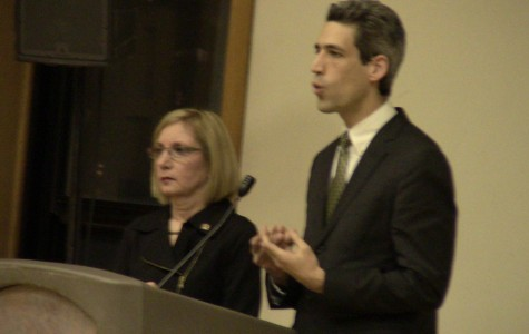 Daniel Biss, Robyn Gabel discuss pension crisis at heated town hall meeting