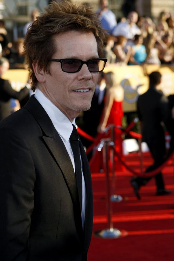 Kevin Bacon has made his return to TV, playing ex-FBI agent Ryan Hardy on Fox's