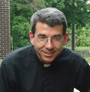 Father John Kartje to leave Sheil Catholic Center in June
