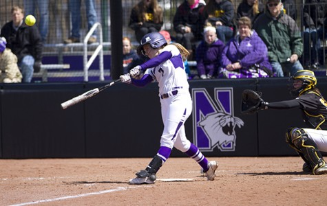 Softball: Wildcats avoid sweep against Hawkeyes with Sunday win