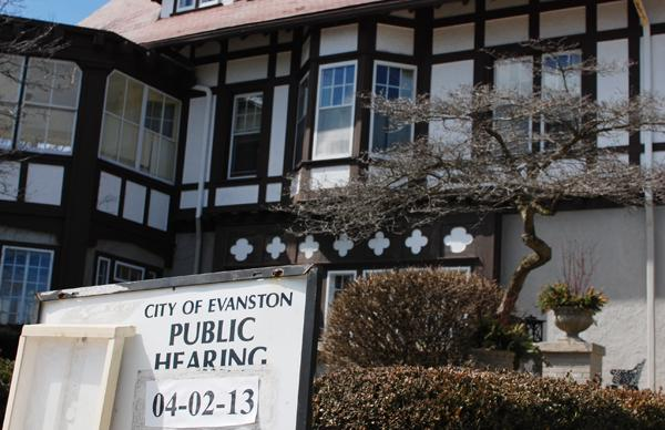Evanston's Zoning Board of Appeals on Tuesday tabled a discussion on a bed-and-breakfast at 1622 Forest Place proposed by local billionaire James N. Pritzker.