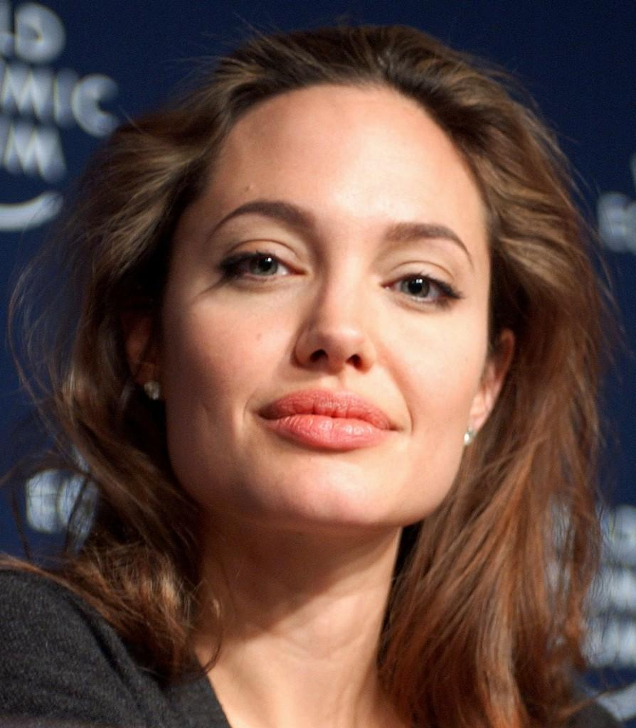 Five+Words+for+Angelina+Jolie%E2%80%99s+Double+Mastectomy+