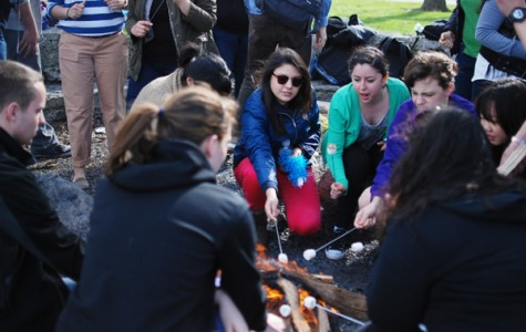 Students celebrate Cinco de Mayo with Lakefill bonfire