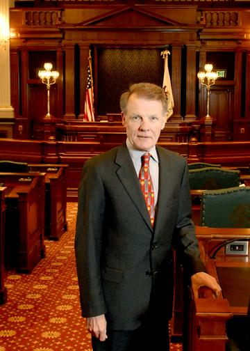 House Speaker Michael Madigan's amendment to a Senate pension reform bill passed a House pensions committee Wednesday.