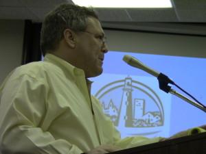 Evanston aldermen put off weapons ban vote, approve Pritzker bed-and-breakfast