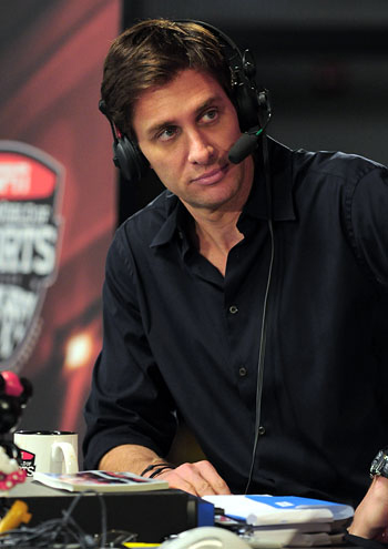 ESPN radio personality Mike Greenberg (Medill '89) will lead the 2013 Homecoming Parade. He will also broadcast his show,
