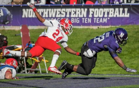 Junior running back Treyvon Green scored two touchdowns Saturday night, helping Northwestern overcome a quiet game from senior Venric Mark in the Wildcats' 44-30 win over Cal.