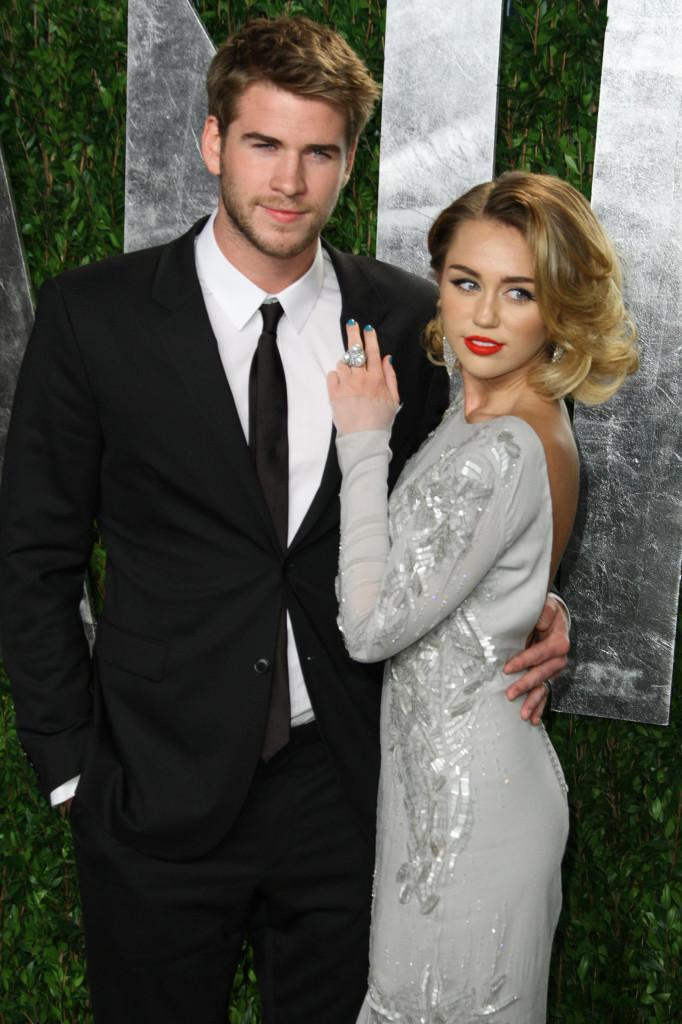 Miley+Cyrus+and+Liam+Hemsworth+have+officially+split.+The+couple%2C+who+got+engaged+in+%0D%0AJune+2012%2C+were+seen+less+frequently+together+in+the+weeks+preceding+the+breakup.