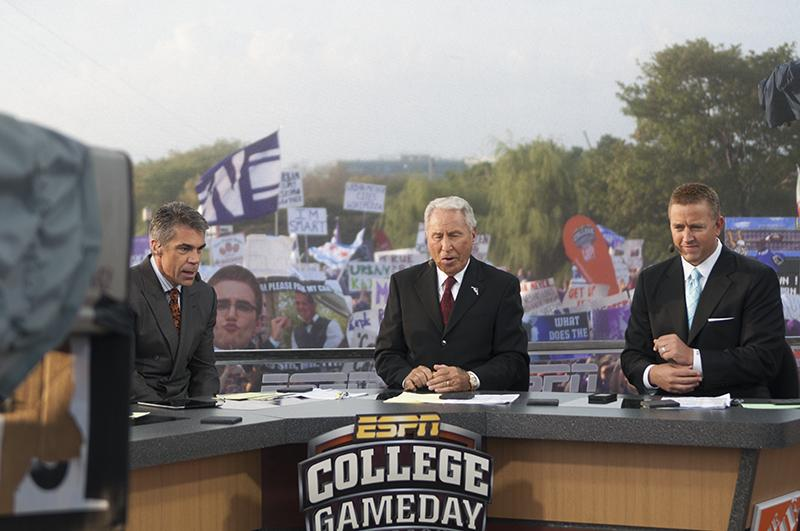 Chris+Fowler%2C+Lee+Corso+and+Kirk+Herbstreit%2C+the+hosts+of+%E2%80%9CCollege+GameDay%2C%E2%80%9D+are+on+set.+A+large+crowd+of+Northwestern+fans+attended+the+live+broadcast+Saturday+morning.%0D%0A