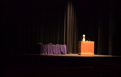 Poet Nikki Giovanni tells students to 'get a passport'