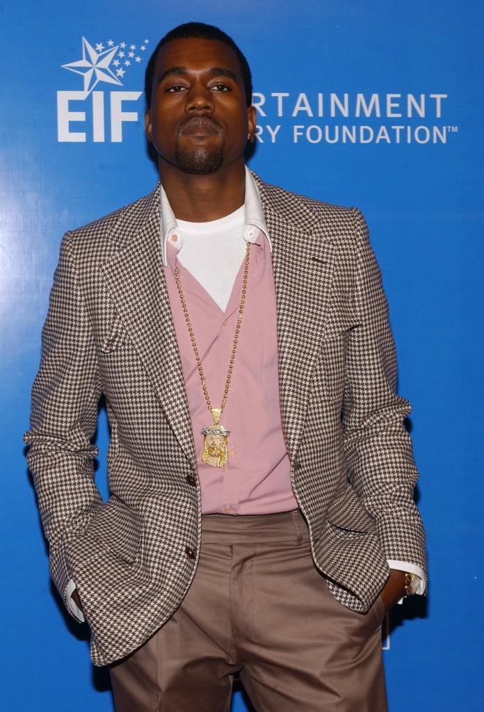 Rapper+Kanye+West+postpones+his+Chicago+%E2%80%9CYeezus%E2%80%9D+tour+dates.