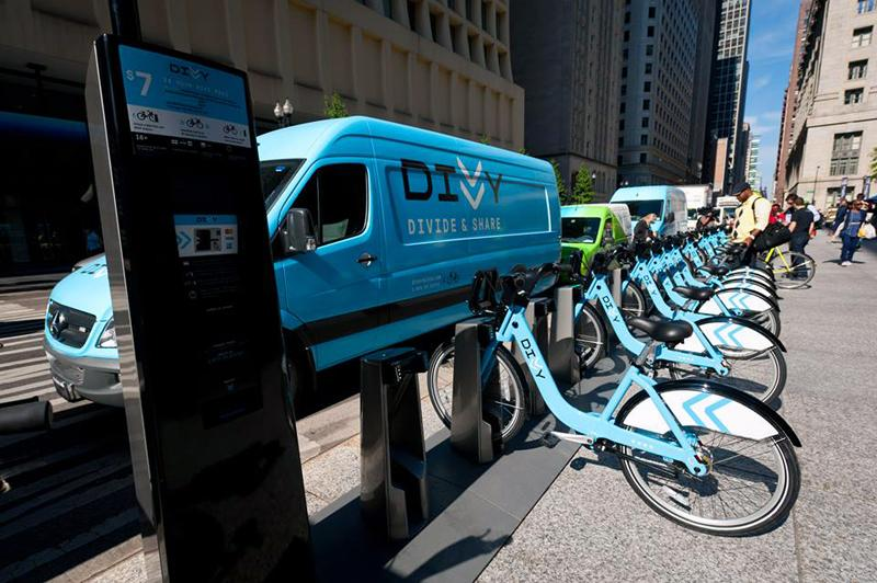 The+Chicago+Department+of+Transportation+wants+to+bring+bike-sharing+service+Divvy+to+Evanston+next+year.+The+department%27s+plan+would+also+install+Divvy+stations+in+Oak+Park%2C+Ill.