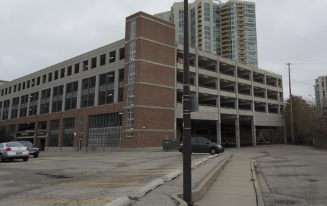 Updated: Woman jumps off parking garage in downtown Evanston