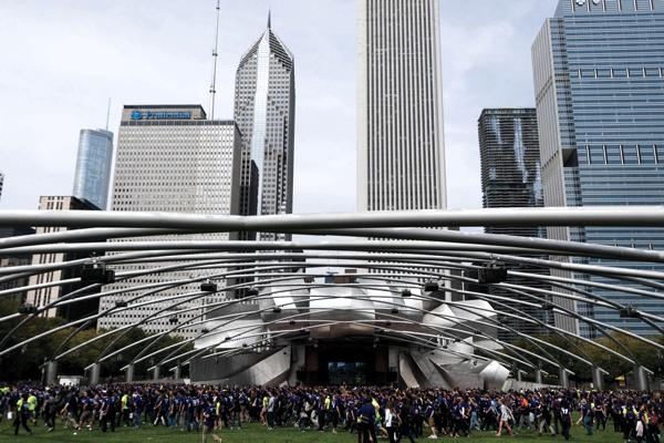 Members of the class of 2017 and transfers spend a day at Millennium park during Wildcat Welcome. Early decision admissions were sent Thursday, with 925 entering the class of 2018 from more than 2,800 applicants.